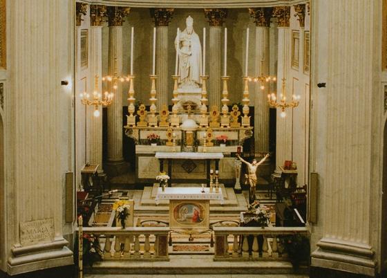 altare-chiesa-san-sisto-genova